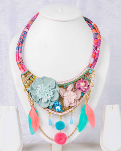 Flower pompom feather mix necklace