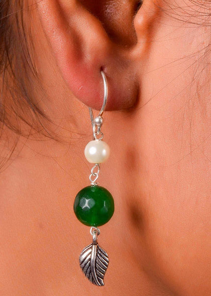 Ruby emerald pearl necklace with silver earings