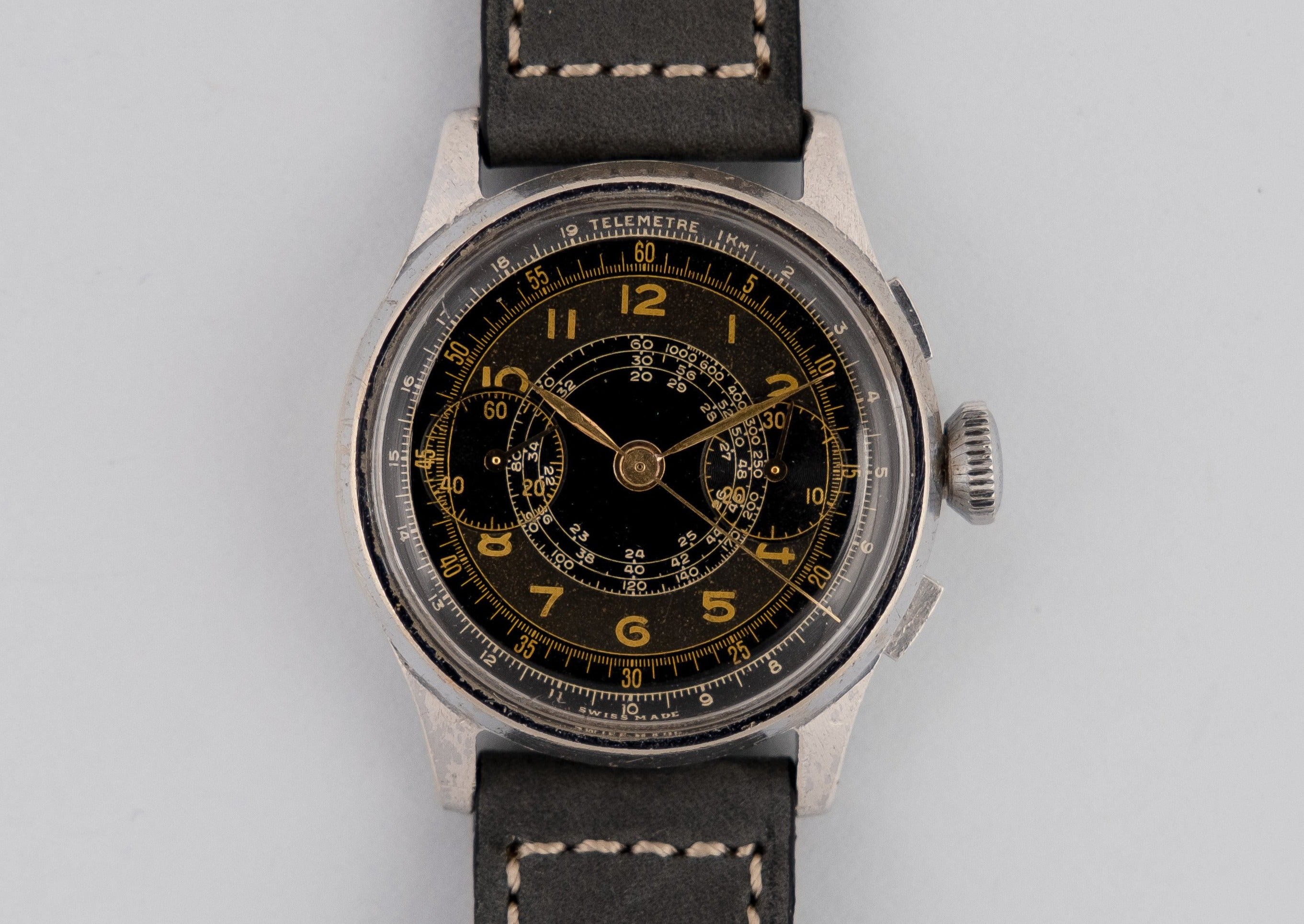 ANONYMOUS Gilt Dial Chronograph (c. 1940s)