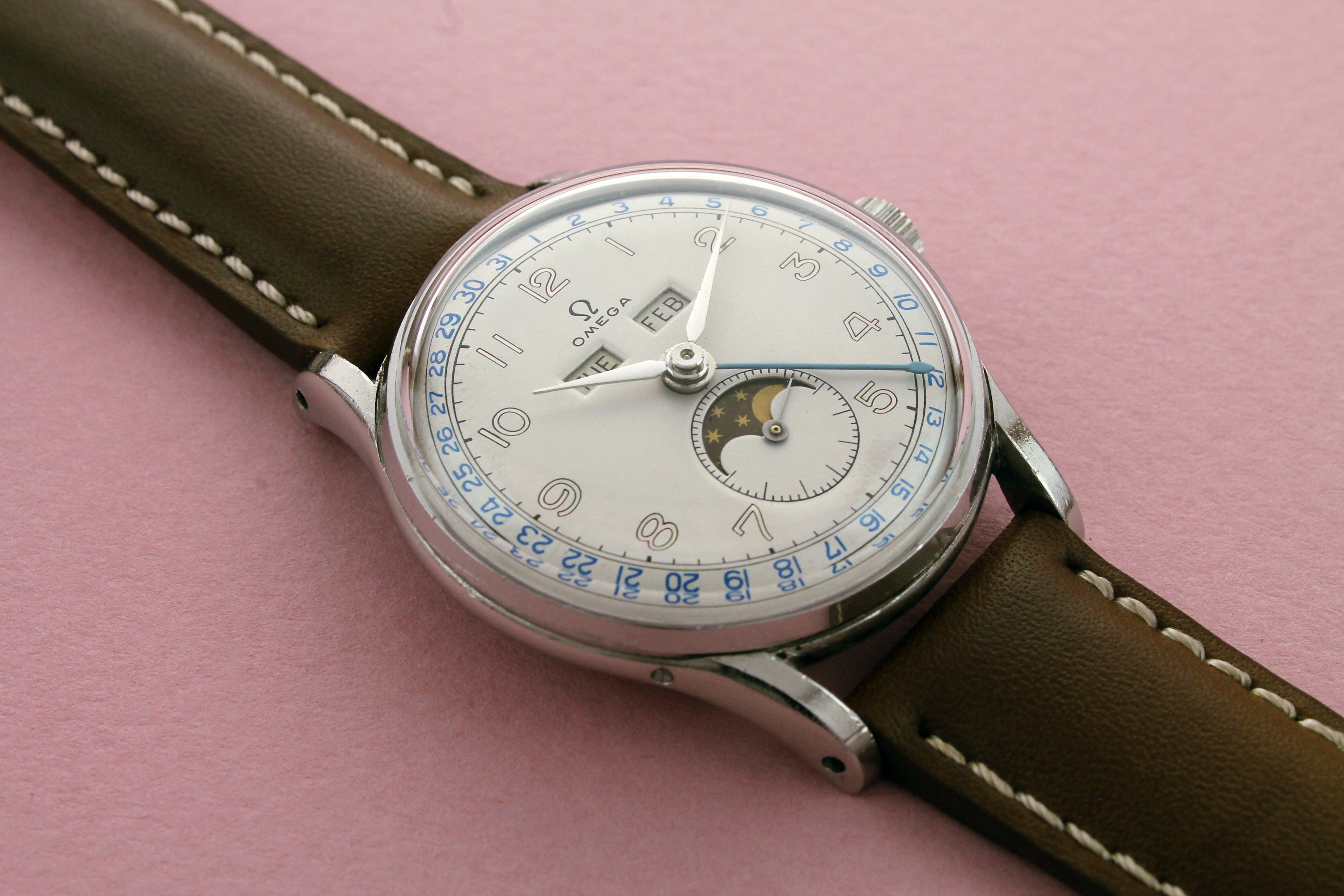 OMEGA Cosmic Triple Calendar Moonphase Ref 2471 (1948)