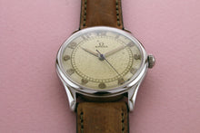 Load image into Gallery viewer, OMEGA Suveran Ref 2425 Calibre 30T2 (1945)