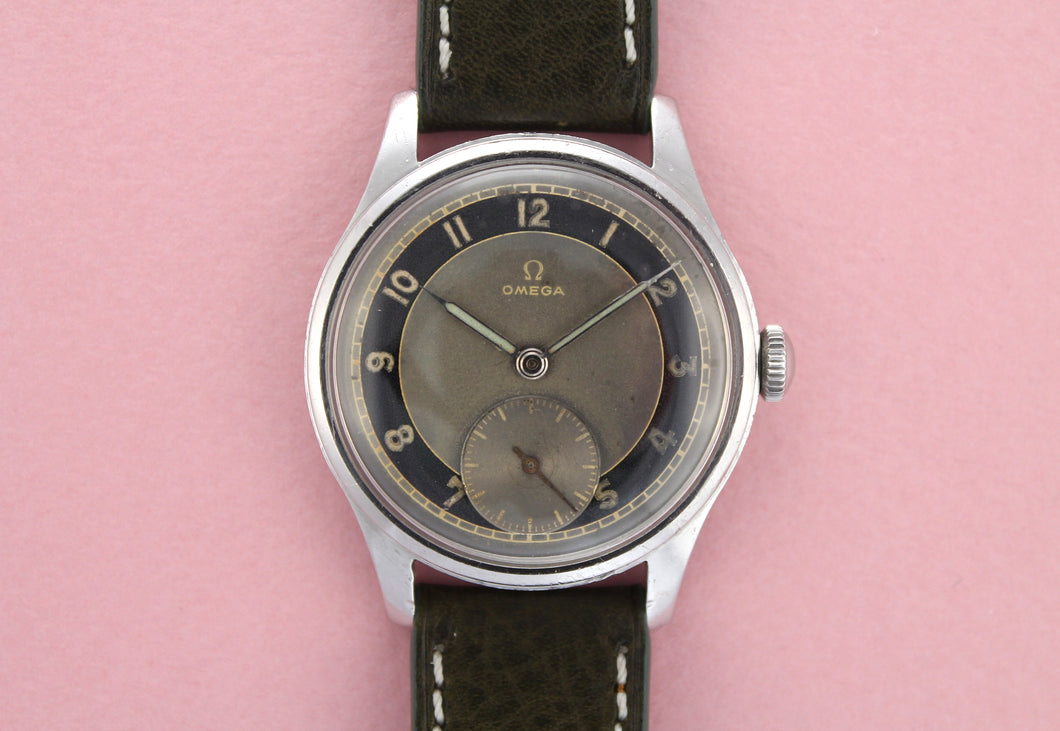 OMEGA Bullseye Two-Tone Sub-Second Calibre 30T2 (1946)
