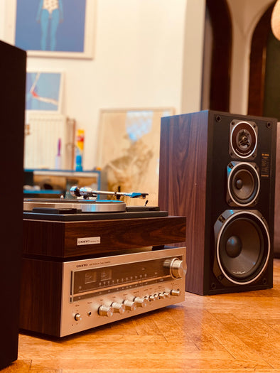 Vinyl Player (with Amp and Speakers) - hi-fi complete audio system