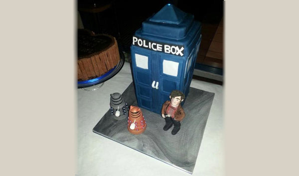 Gallery Dr Who Cake with LED - Tracy West
