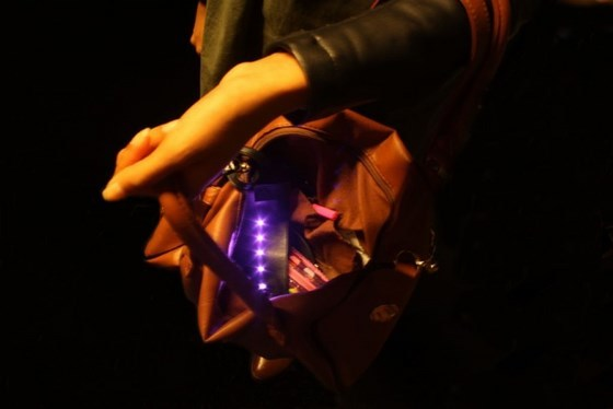 How to Make a Stylish E-Textiles BagLight