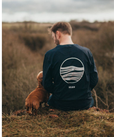 NEW - SELKIE SUNRISE LONG SLEEVE TEE IN NAVY