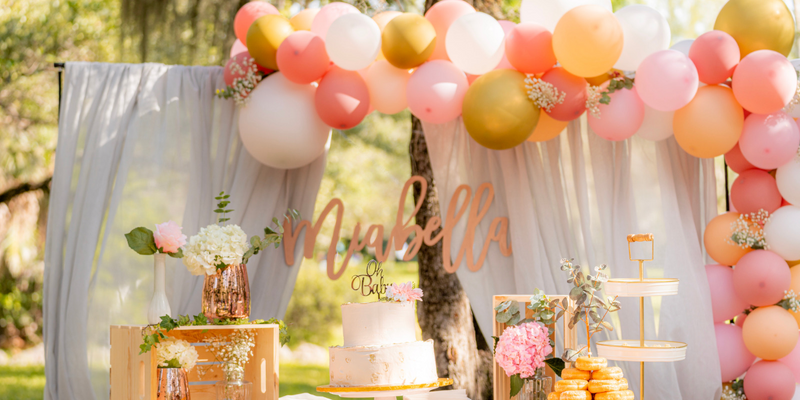 Hiring a Professional Balloon Artist for Your Event