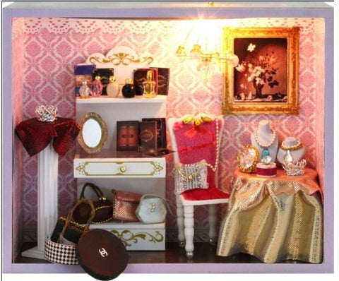 Doll house DIY Miniature Queen Shop 3D