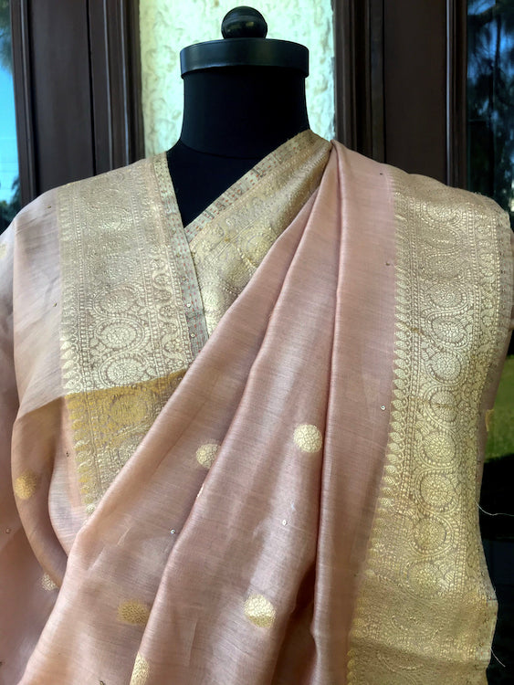 Ahalya Powder Peach Cotton Booti Saree