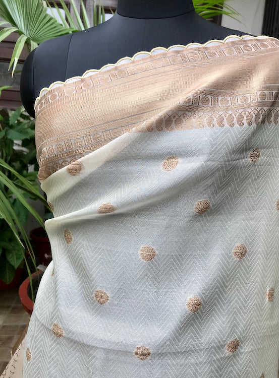Ivory & Copper Organza Tanchoi Saree