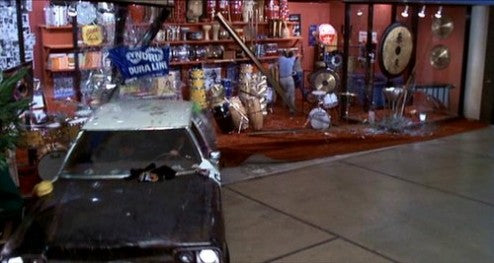 Jake and Elwood wreak havoc in a shopping mall in