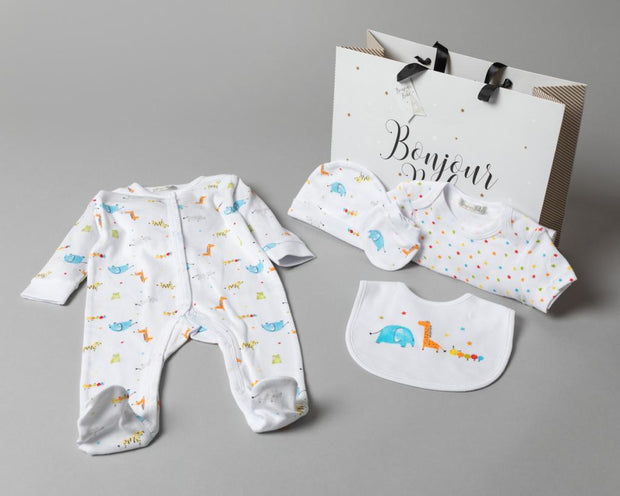 Cotton layette gift set with printed safari design with free gift bag. Includes: -All in one with poppers to the front and legs. -Bodysuit with envelope neck and poppers to the legs -Hat -Bib with popper fastening -Mittens