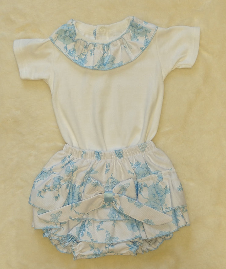 How beautiful is this?  Silky feel white cotton top with waffle flower and butterfly blue print collar to neck. Waffle blue print jam pants with large bow.   100% cotton