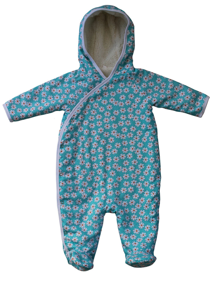 Daisy print hooded pramsuit with feet, fully fleece lined, will keep any little one warm this winter!  Popper fastenings to the side.   100% cotton and machine washable.