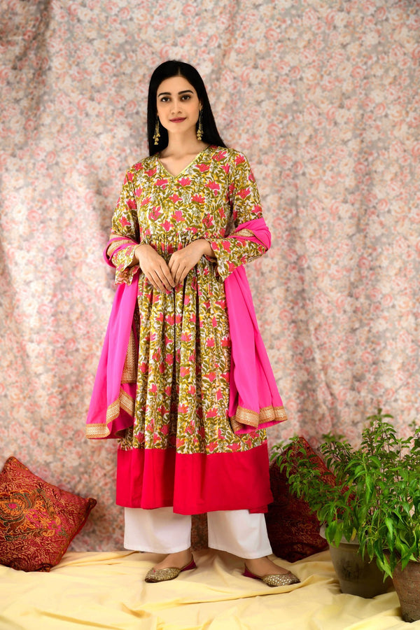 Pink Floral Suit Set - Baandhani Clothing