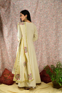 Mellow Yellow printed suit set - Baandhani Clothing