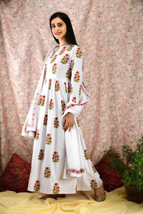 White Floral Flared Kurta Set - Baandhani Clothing