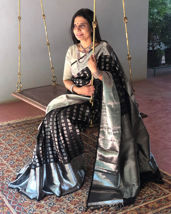 EE-S19416 - Black & silver pure Kanchivaram silk saree