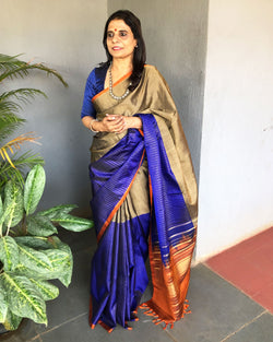 EE-S19429 - Blue & grey pure Kanchivaram silk Saree