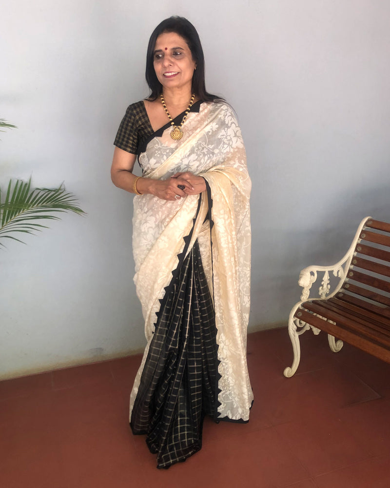 EE-S21912 - Beige & Black pure Chanderi saree