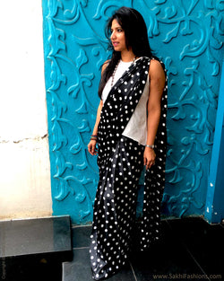 EE-S22302 - Black & White Crepe silk skrit saree