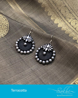 AT-R6613 - Silver  & black Terracota earring