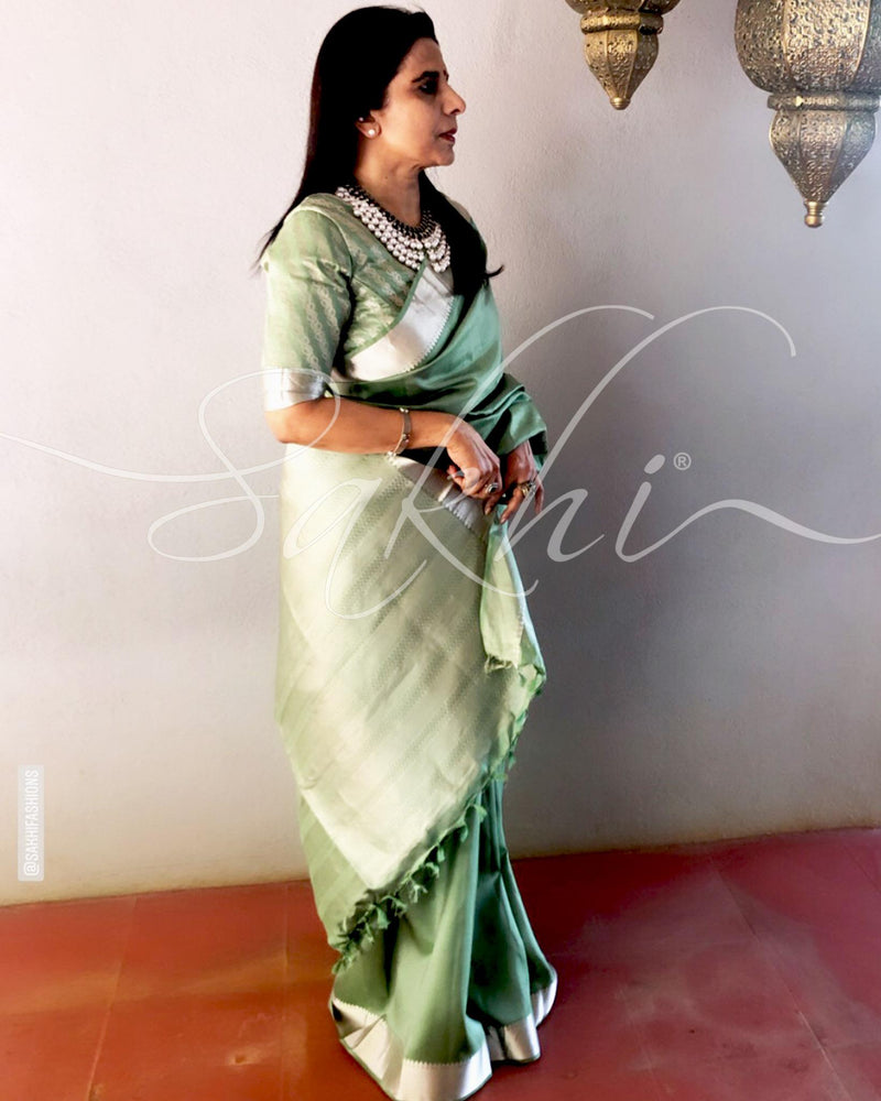 EE-R25607 - Green pure Silk saree