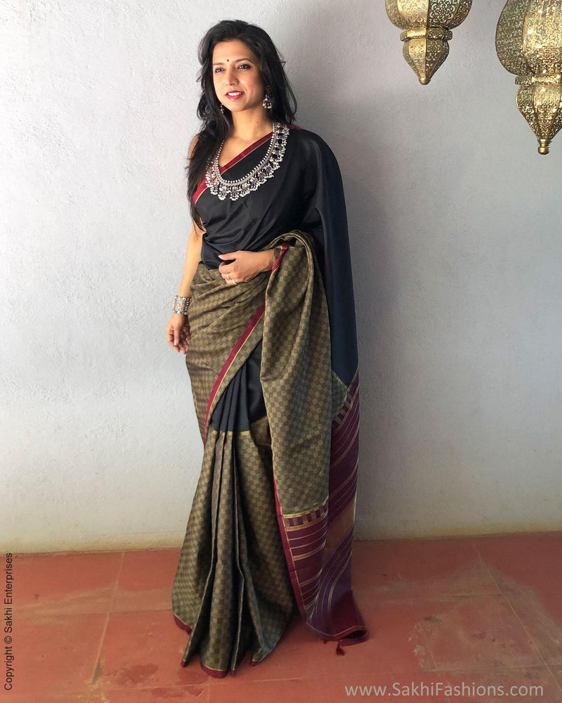 EE-S17388 - Grey pure Kanchivaram  silk saree