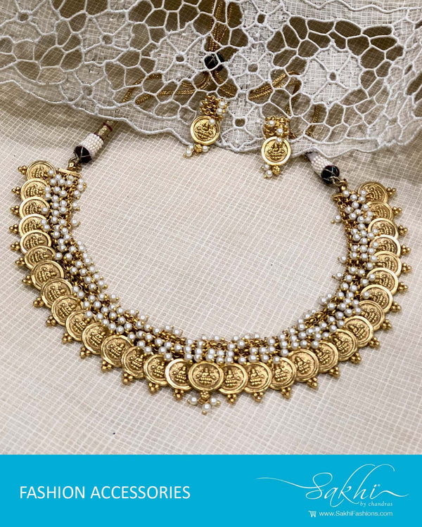 AJDS-22931 - Gold & Pearl Mix Metal Necklace & Earring
