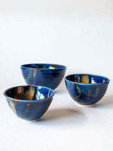 Set of 3 wheel-thrown bowls blue gold