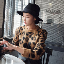 Load image into Gallery viewer, Leopard Knitted Sweater