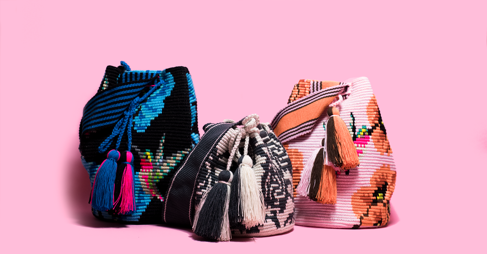 ARTE & TEJIDO bags on pink background