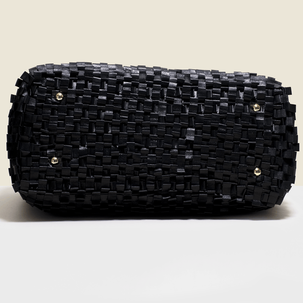 Woven leather bag in black. Handmade in Italy