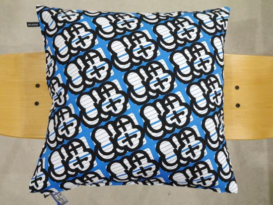 SQUARE CUSHION PILLOW -FABRICK® × MQ/MQ Planet-