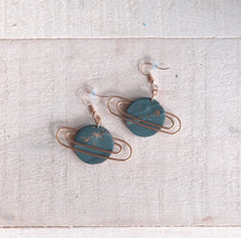 Load image into Gallery viewer, Saturn Earrings