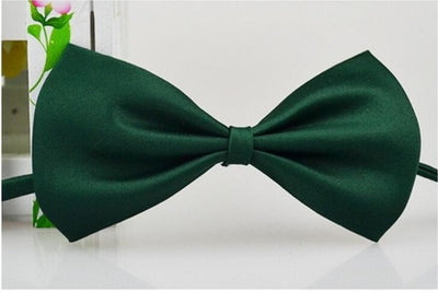 Adjustable bow tie pet collar