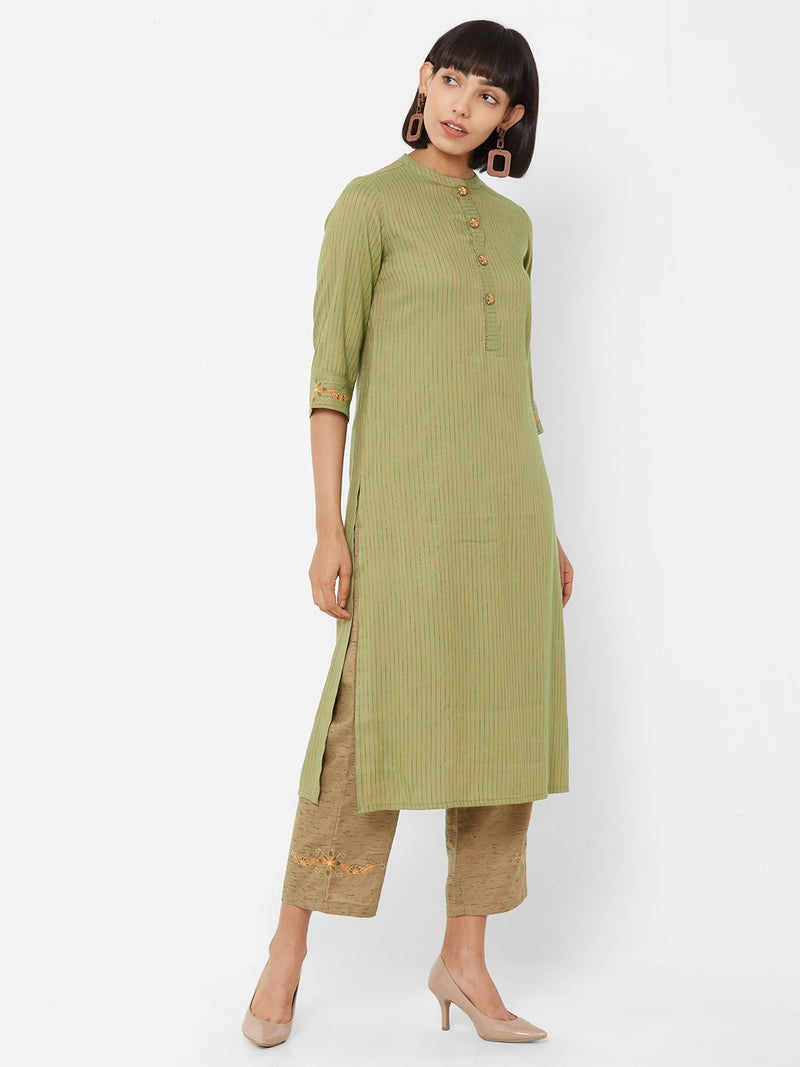 ZOLA Green Textured Straight Kurti paired with Palazzo pants