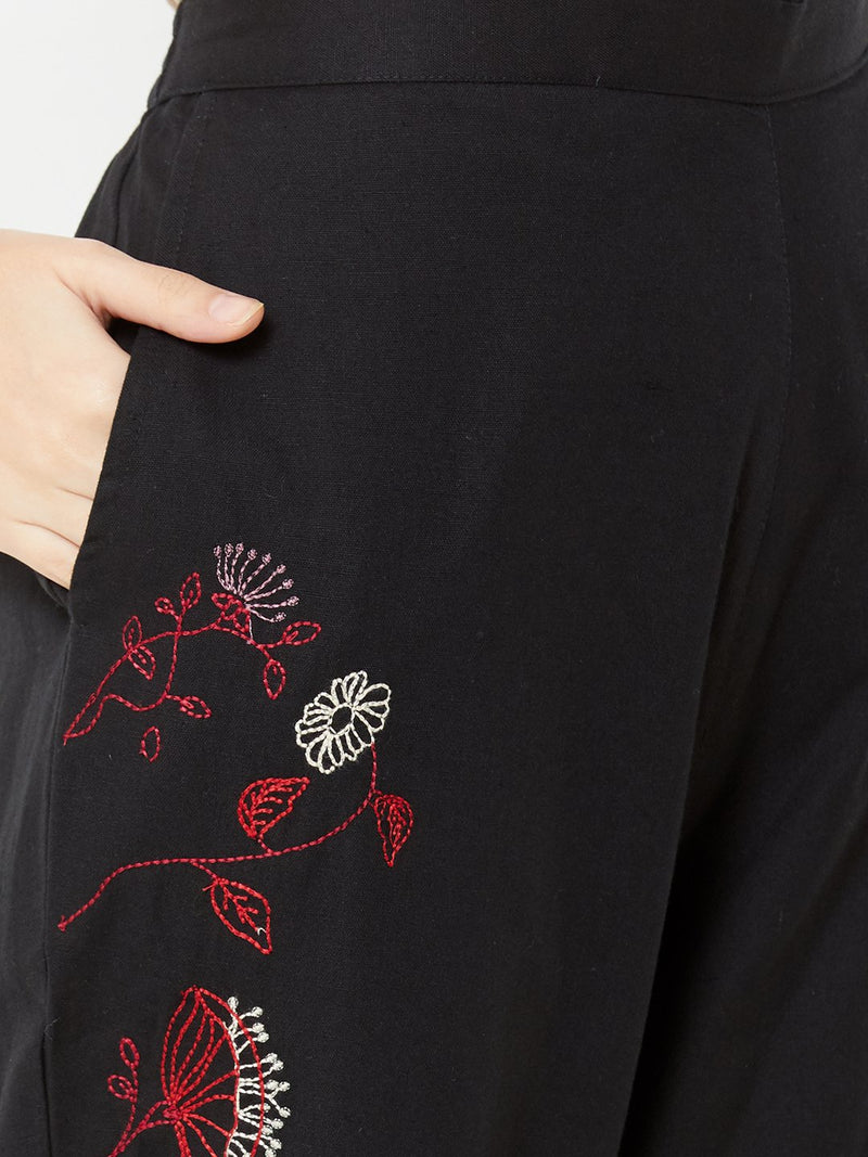 Floral Embroidered Pants Black