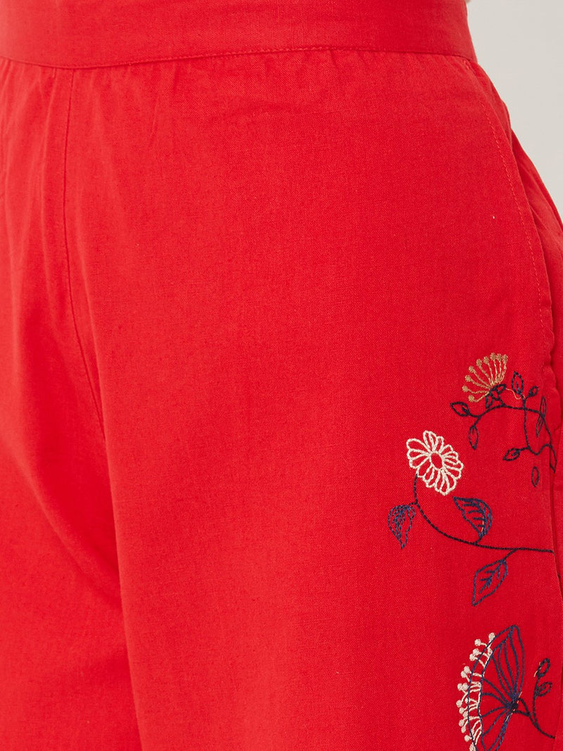 Floral Embroidered Pants Red
