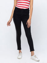 ZOLA Black Frayed Waist Hem alf Length Jeans With Sidestrip