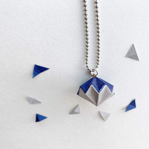 Collar de diamante de papel de origami