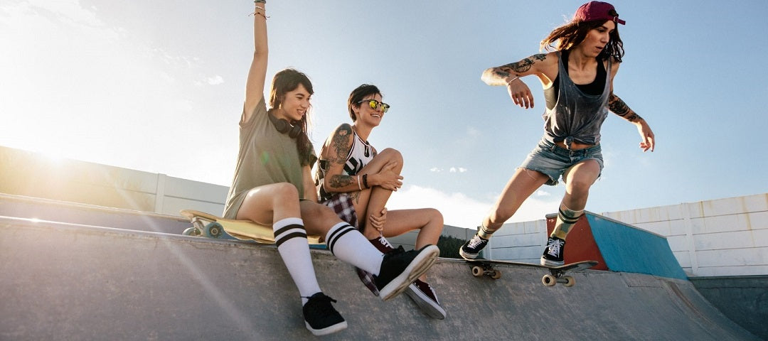 gits for skaters - group of girls skateboarding