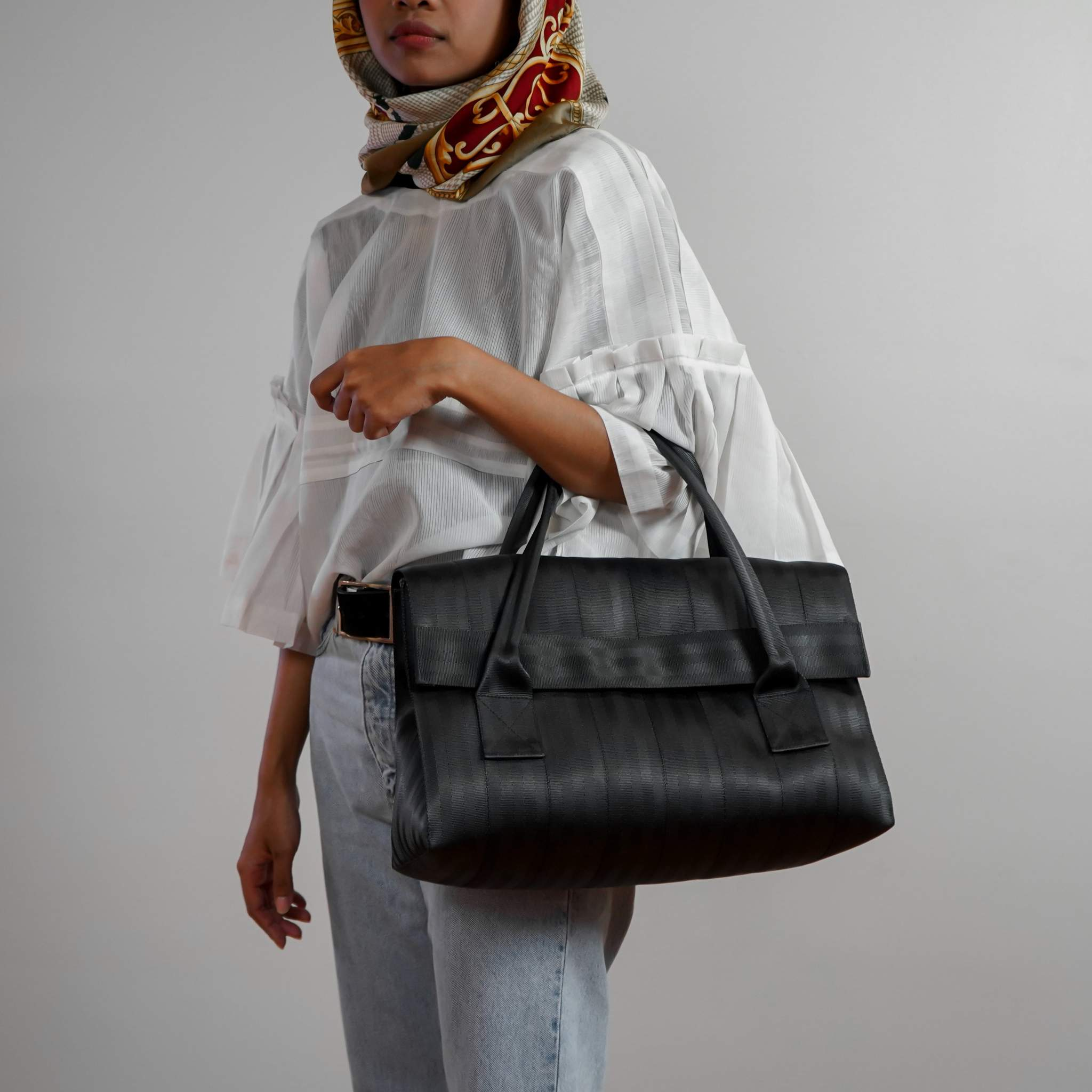 Mawar Seatbelt Sustainable Vegan HandBag (2 Colours Available)