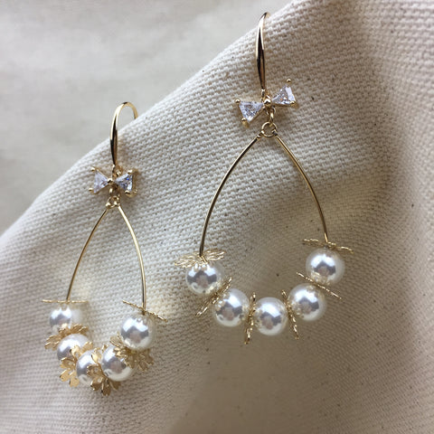Gold Snow Earrings - Twist Earring