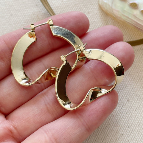 Curve Twist Hoop Earrings-Gold