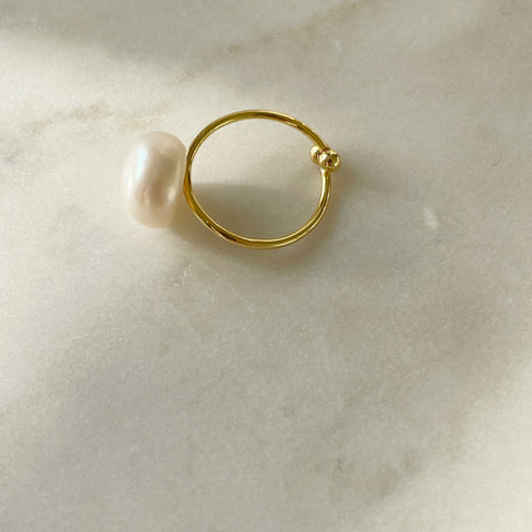 Statement Single Pearl Ring