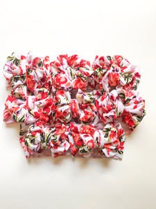 CORAL FLORAL MESSY WRAP