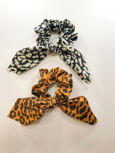 Short scarf scrunchies