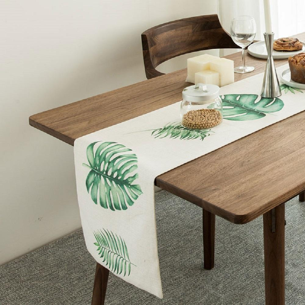 Leaf Language Table Runner