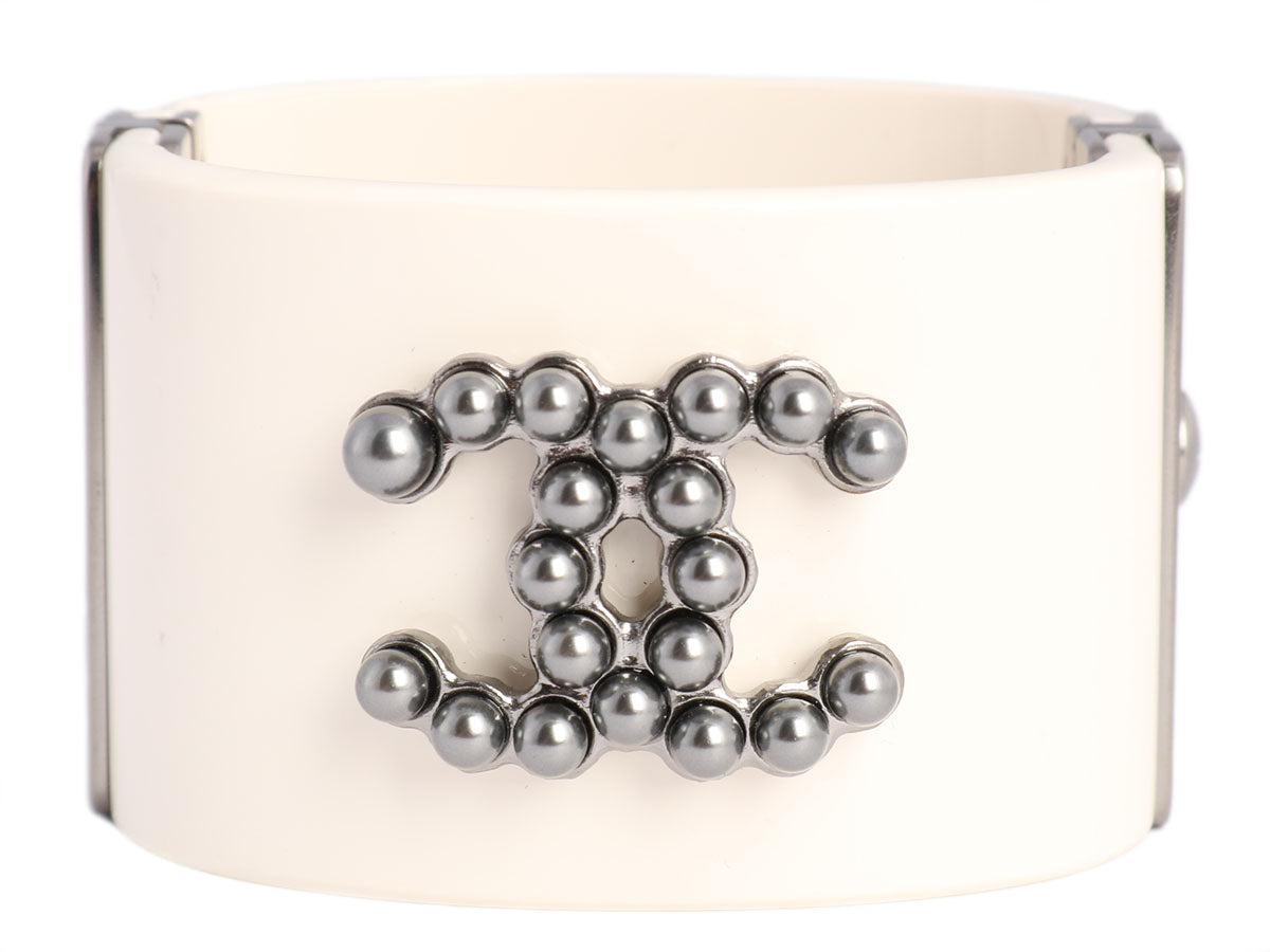 Chanel Off-White and Gray Pearl Logo Bangle Bracelet